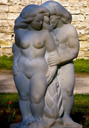 Adam and Eve, sculpture by Ellen Kolk (1970).  Photo credit: Creative Commons by Tony Bowden